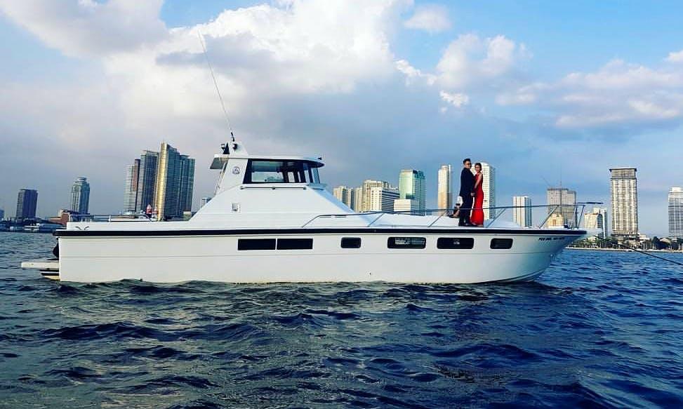 Charter 47' Motor Yacht in Manila, Philippines