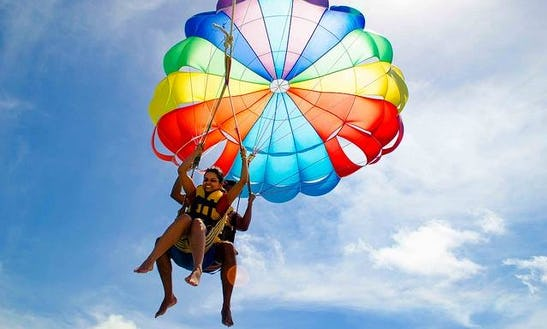 Enjoy 15 Minutes Parasailing Adventure In Flacq, Mauritius