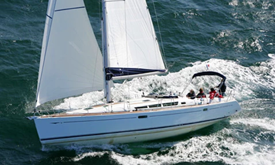 Charter 45' Beneteau Cruising Monohull In Rosignano Solvay-castiglioncello, Italy