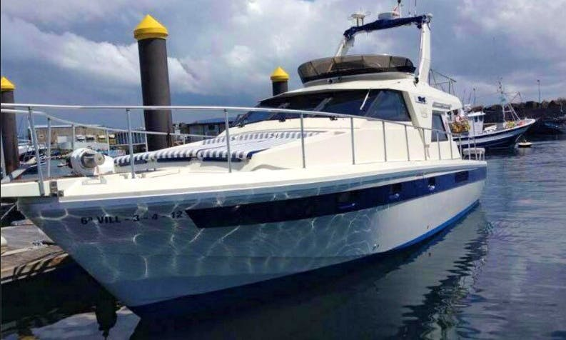 """Charter the 48ft """"Titote"""" Motor Yacht in Boiro, Spain"""