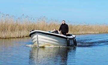 Rent 23' Ms Casandra Canal Boat in Workum, Friesland