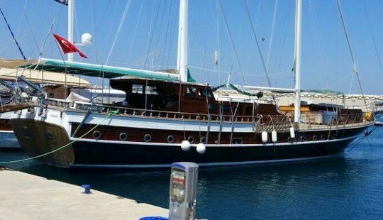 Cruise Along The Muğla,turkey With This 14 People Gulet