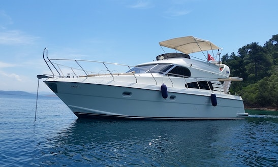 Charter 52ft Seal Motoryacht In Antalya Coast