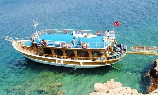Charter A Motor Yact In Mugla, Turkey