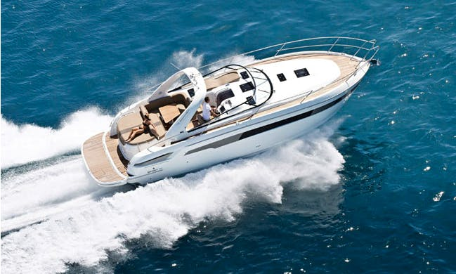 "Charter 39' Wind Song Special"" Motor Yacht In İstanbul, Turkey"