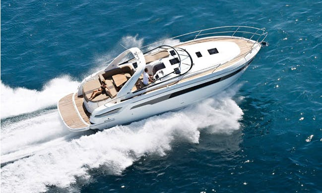"""Charter 39' Wind Song Special"""" Motor Yacht In İstanbul, Turkey"""