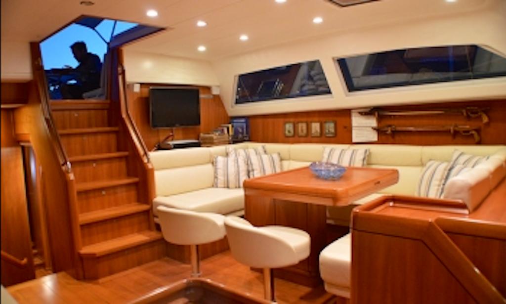 Charter 72ft terra di mezzo iii cruising monohull in for Noleggio di cabine lake tahoe per coppie