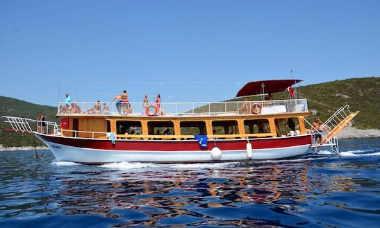 Enjoy The Amazing Views Of İzmir, Turkey On This Passenger Boat
