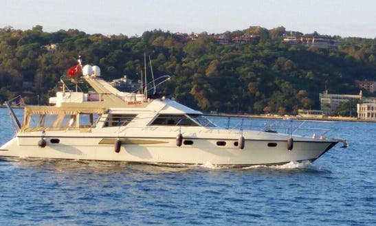 Make Your Own Waves With This Motor Yacht In İstanbul, Turkey