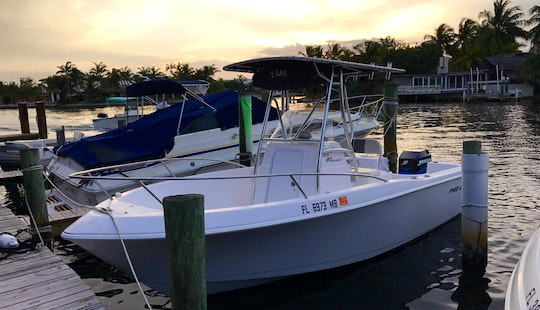 20' Center Console Rental In Fort Lauderdale, Florida