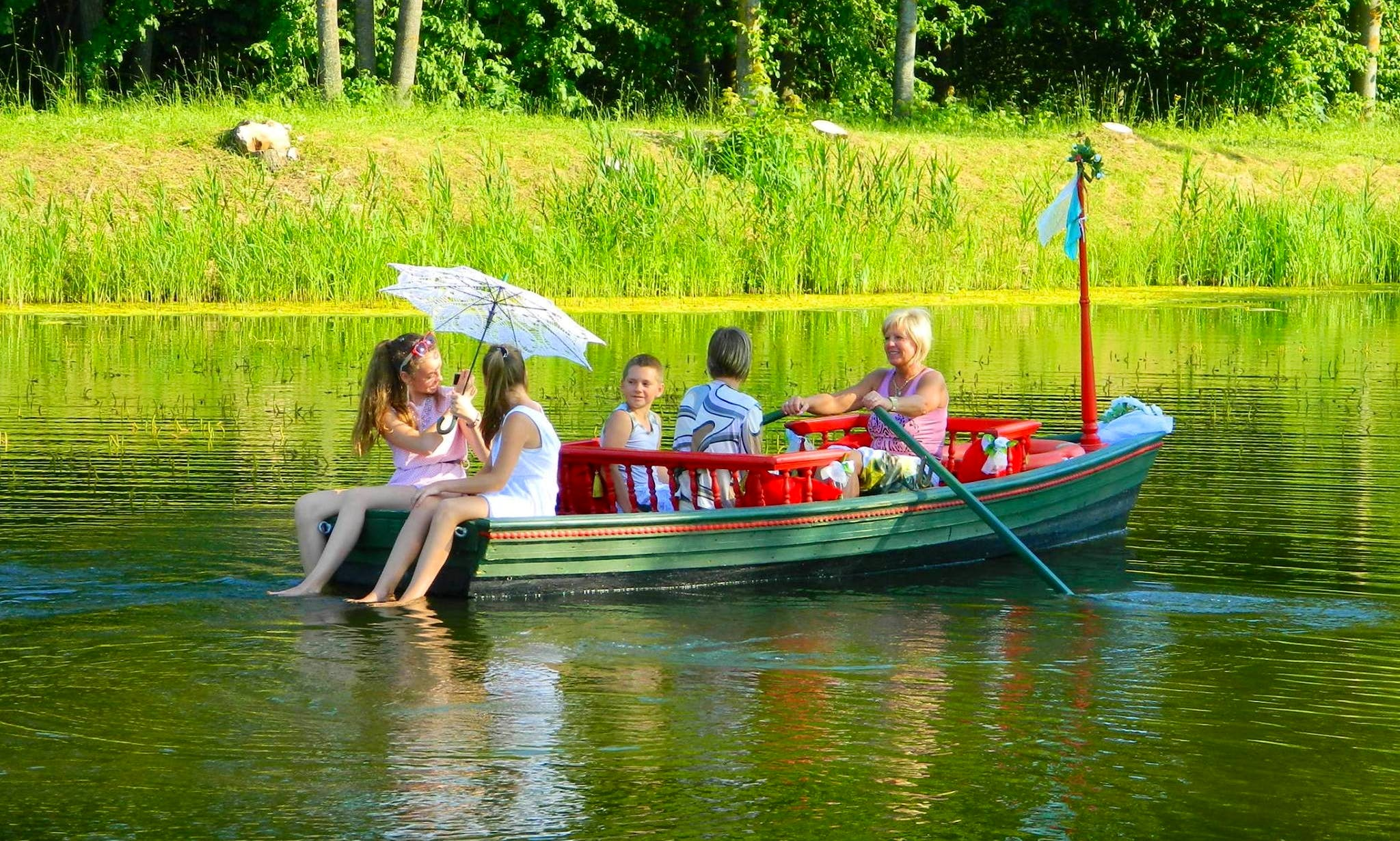 Rent Spin-off Row Boat in Rundāle Palace, Latvia