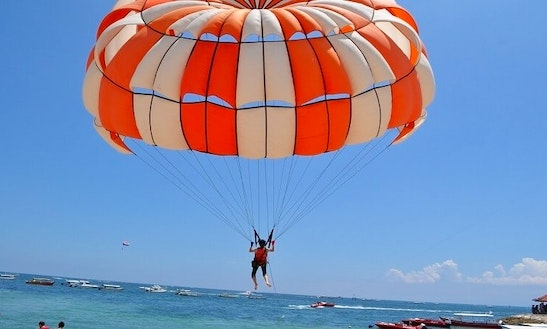 Enjoy Parasailing In Amilla Fushi, Republic Of Maldives