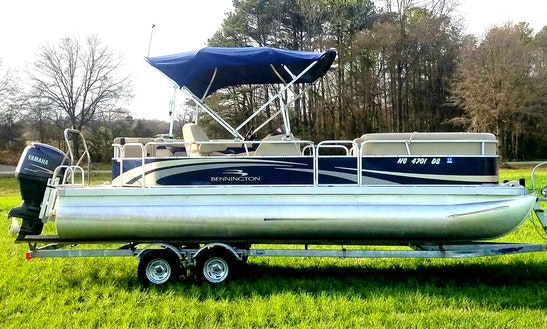 Rent Bennington Pontoon In Fair Play, South Carolina