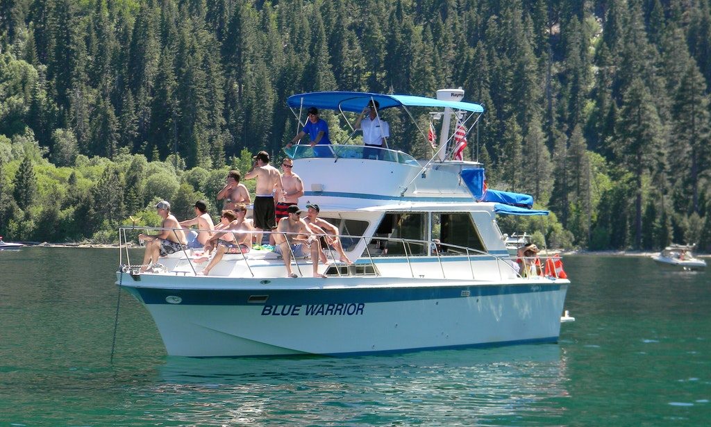 Lake tahoe house boat rentals 28 images lake tahoe for Houseboats for rent in california