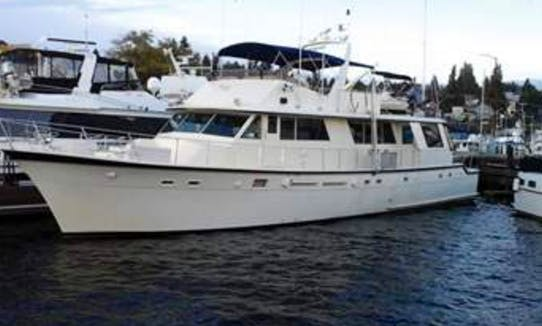 "Charter 84ft ""Soleil"" Power Mega Yacht In Bellevue, Washington"