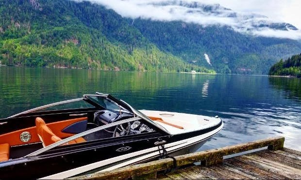 Rent the 18' GT Deluxe Bowrider Boat in Vancouver