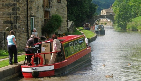 Hire Jack Canal Boat In Skipton, England