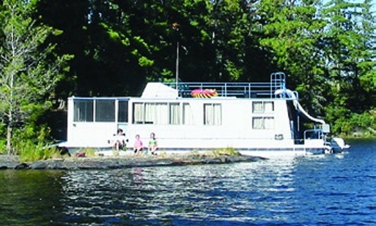 Rent 42' Adventurer Houseboat In International Falls, Minnesota