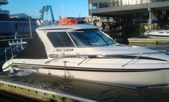 Enjoy Fishing In Auckland, New Zealand On 25' Cuddy Cabin