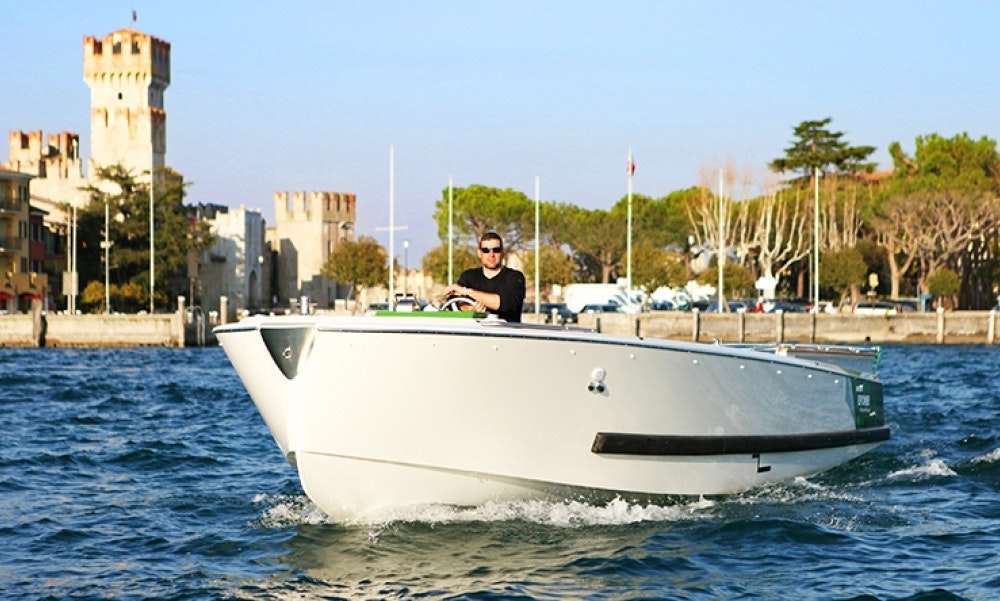 Charter the 34ft