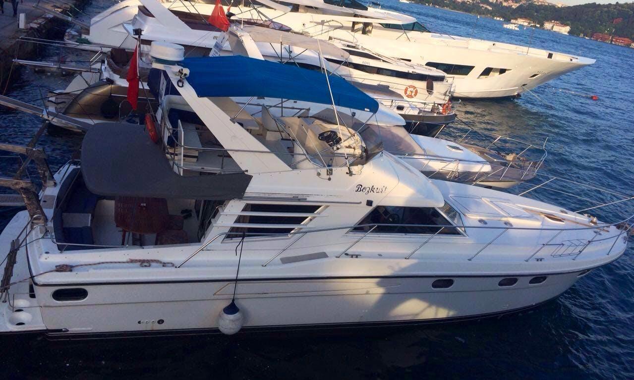 Sightseeing in İstanbul, Turkey on Bozkurt Motor Yacht