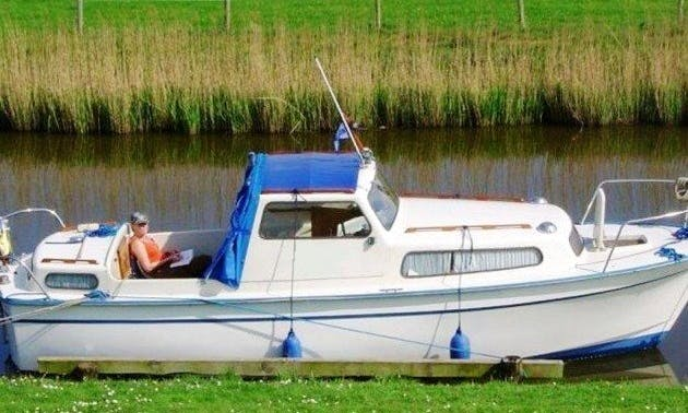 Rent 25' Albin Motor Yacht in Sneek, Friesland