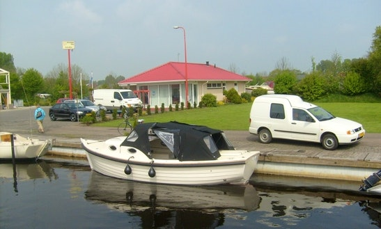 Rent 23' Inborad Propulsion In Sneek, Friesland