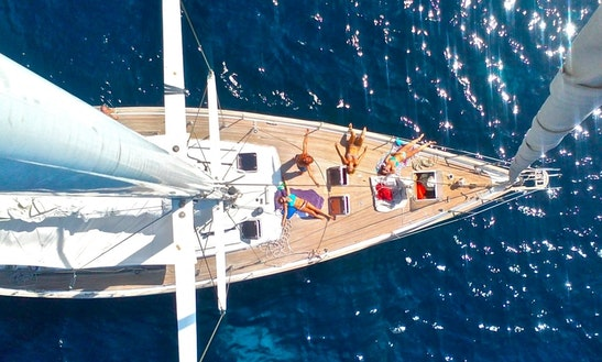 Day Cruises, Sailing Charter And Boat Events In Barcelona, Spain