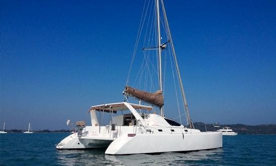 Clair De Lune /  39'  Catamaran Charter