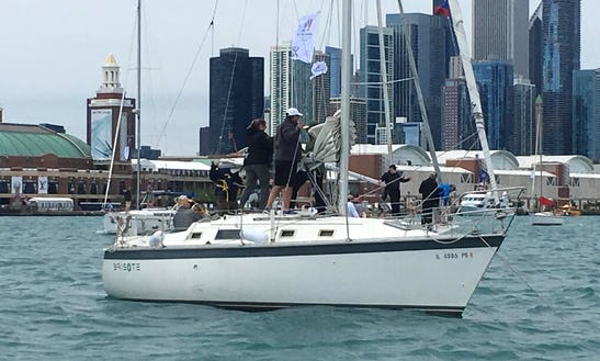 Charter 31' Hunter Sloop In Chicago, Illinois