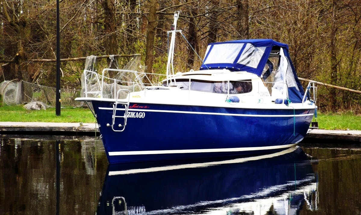 Rent 25' Sunhorse Motor Yacht in Kolonia Rybacka, Poland