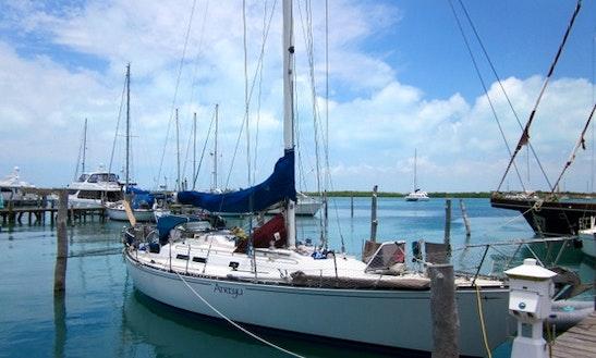 Charter This 39' Sailing Yacht In Cartagena, Bolívar