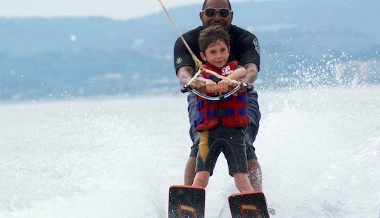Enjoy Water Skiing Lessons In Saint-laurent-du-var, France