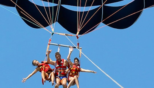 Enjoy Parasailing In Saint-laurent-du-var, France