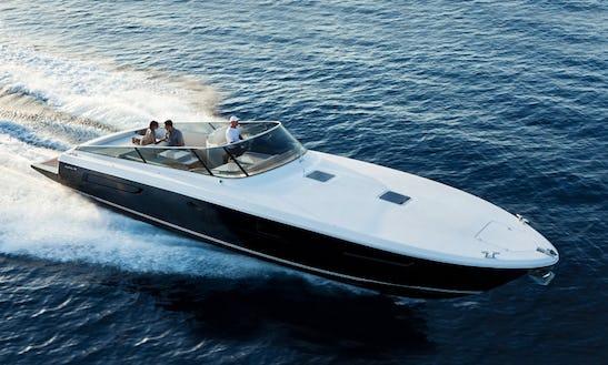 Charter 44' Itama Motor Yacht In Portofino