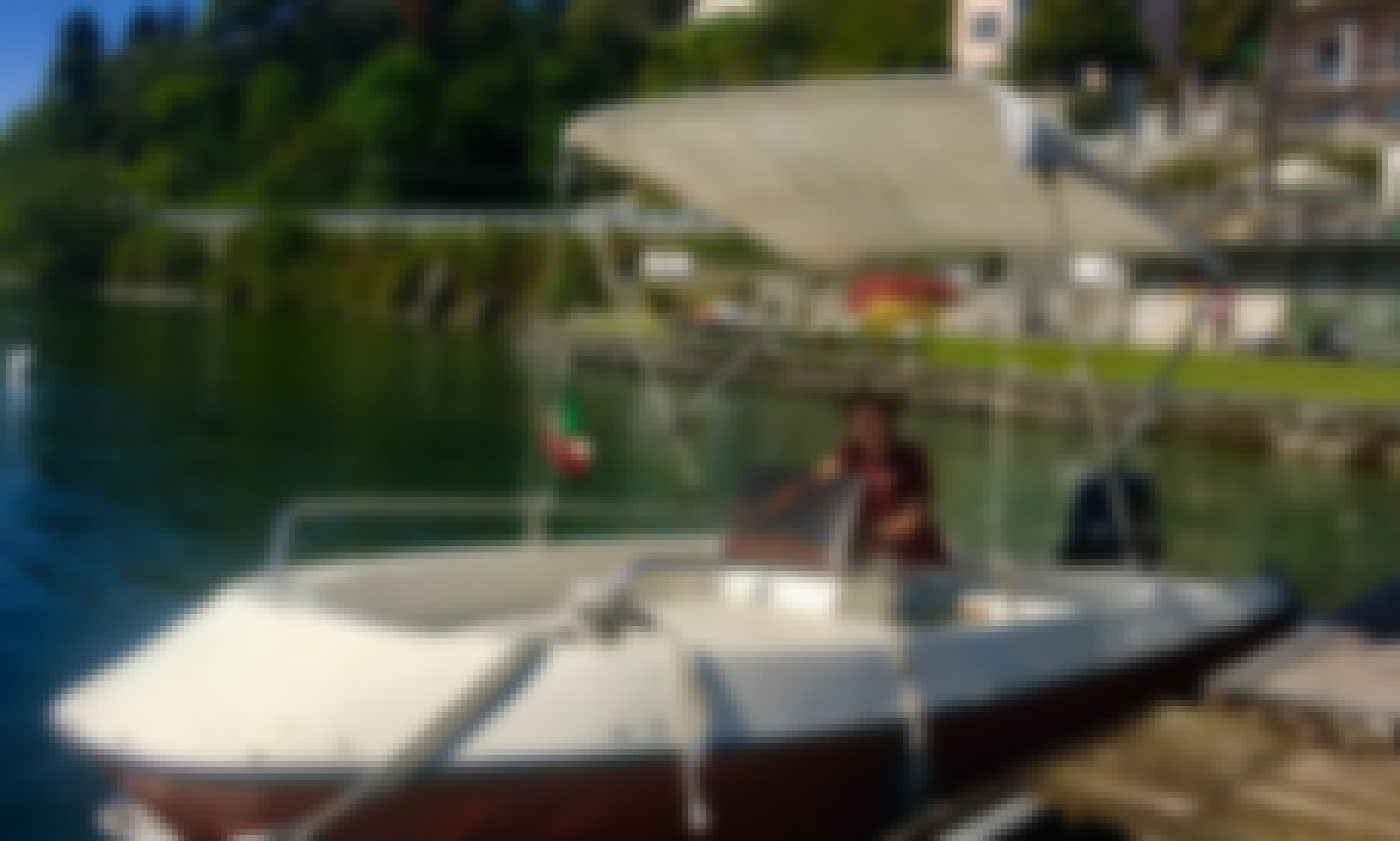 Stay and Rent a Boat in Cannero Riviera, Italia