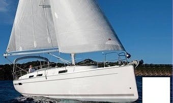 33' Bavaria Sailing Charter in Palermo, Italy