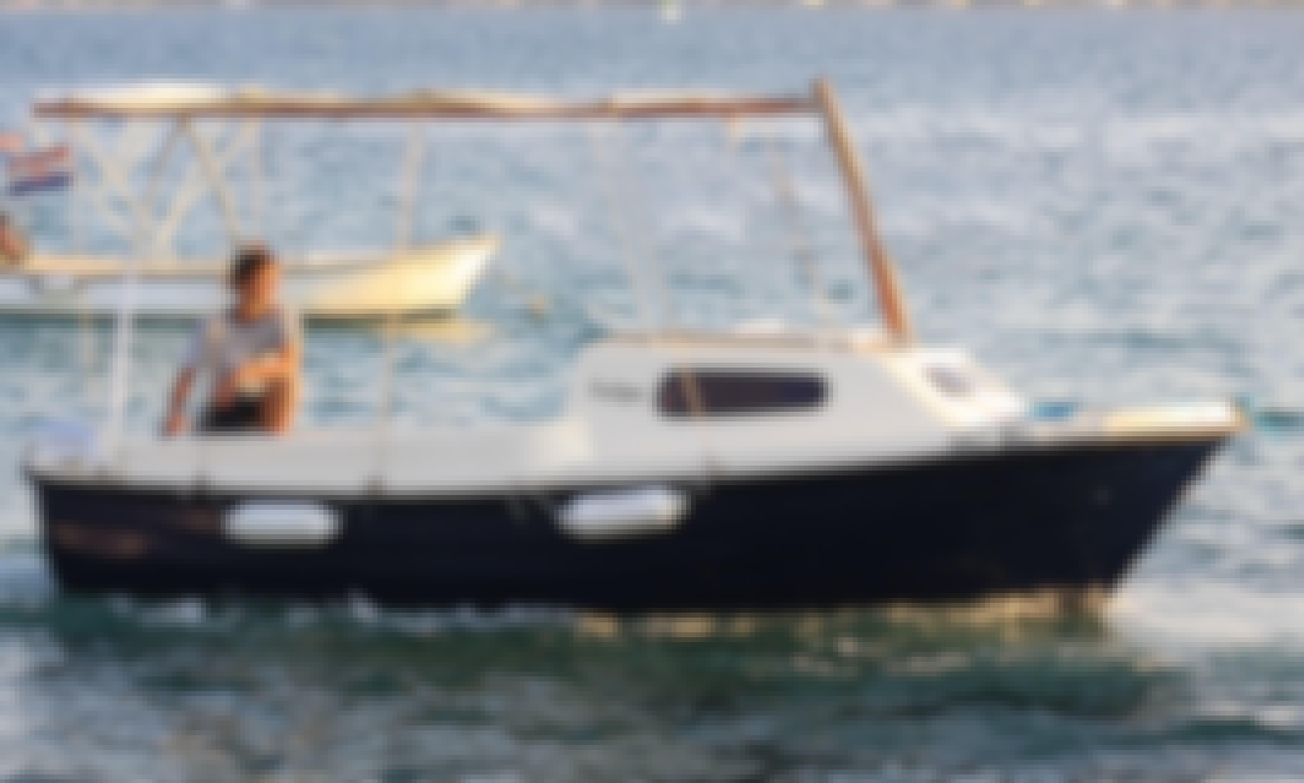 Rent 5 Person Adria 500 Motorboat in Sveti Filip i Jakov, Croatia