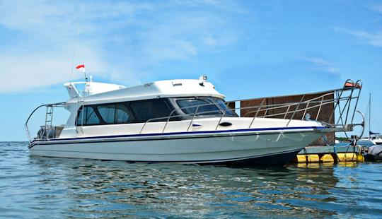 Charter 43' Sakura Bt Ll Motor Yacht In Kuta Selatan, Indonesia