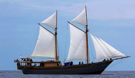 Charter 79' Phinisy Crp Lv Schooner In Kuta Selatan, Indonesia