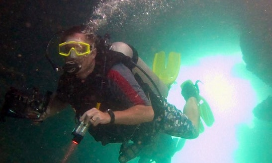 Discover Scuba Diving In Bastimento, Panama