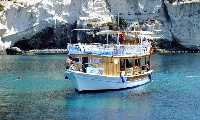 Charter a Motor Boat in İzmir, Turkey
