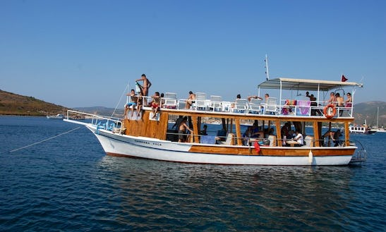 Charter A Motor Boat In İzmir, Turkey