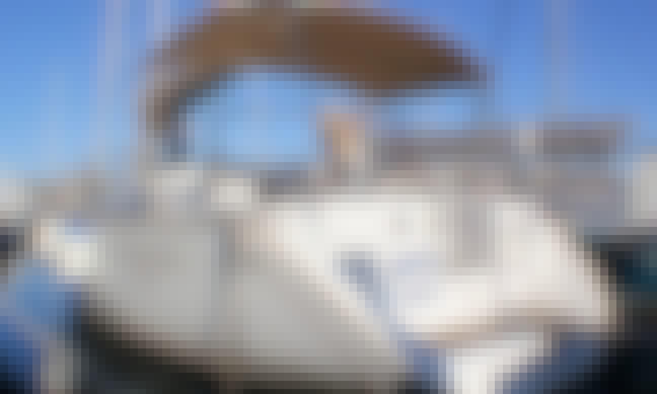 Charter 43' Beneteau Oceanis 423 Cruising Monohull in Ta' Xbiex, Malta