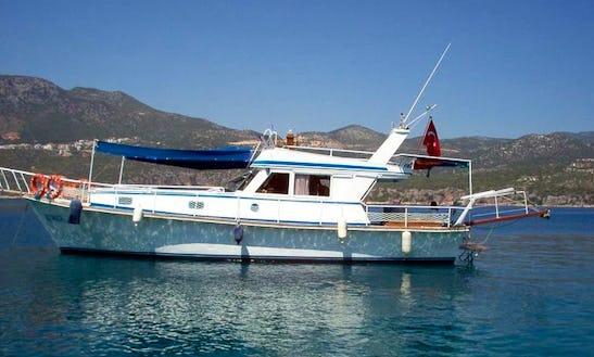Charter A 12 Person Motor Yacht In Antalya, Turkey