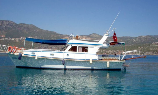 Charter A 12 Person Motor Yacht In Antalya, Turkey