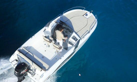 21' Motor Yacht Rental In Splitsko-dalmatinska županija, Croatia