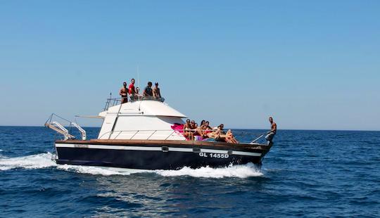 Charter 39' Posillipo Antigua Cuddy Cabin Boat In Gallipoli, Italy