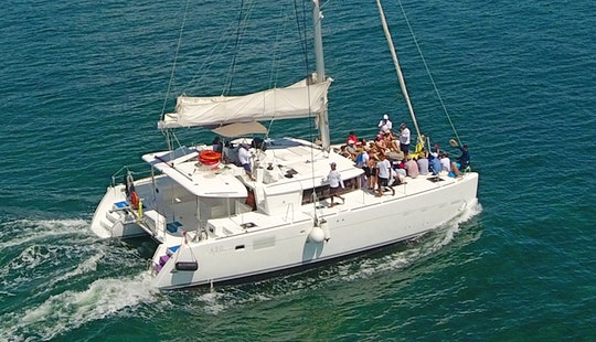 Charter The 46'  Luxury Catamaran In Cancún, Quintana Roo