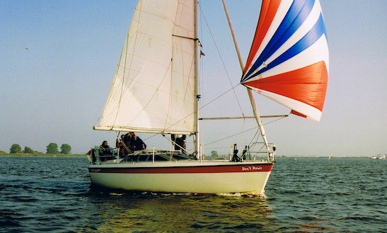 28' Cruising Monohull Rental In Frieslan, Netherlands